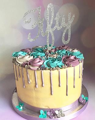 Lil Cakes Kent Luxury cake makers in Kent Weddings celebrations