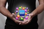 020 Social Media in Mans Hands-72-50s-Ad
