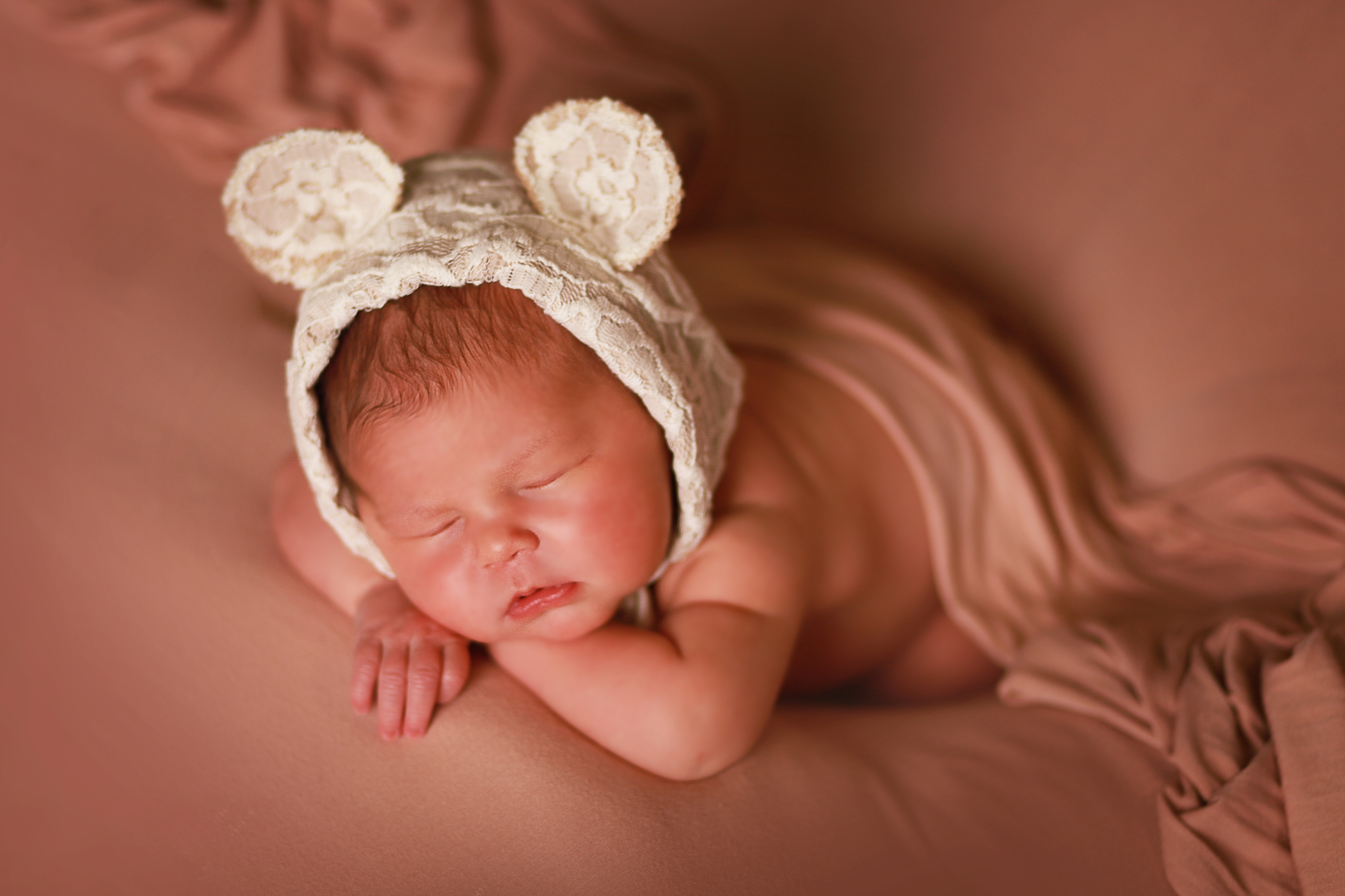Newborn Photoshoot Silver