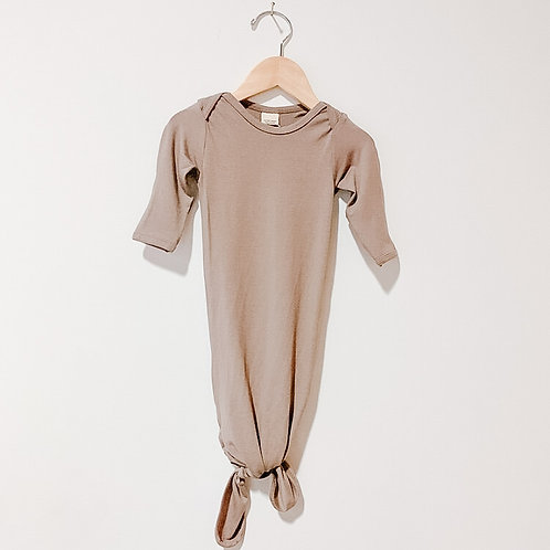 Mother.Lifestyle Knotted Sleeper - Sable