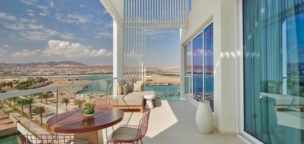 AQJRA_P028_Regency_Suite_Terrace.jpg