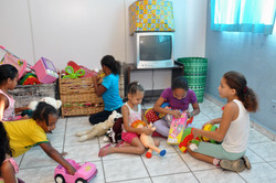 Crianças na Brinquedoteca