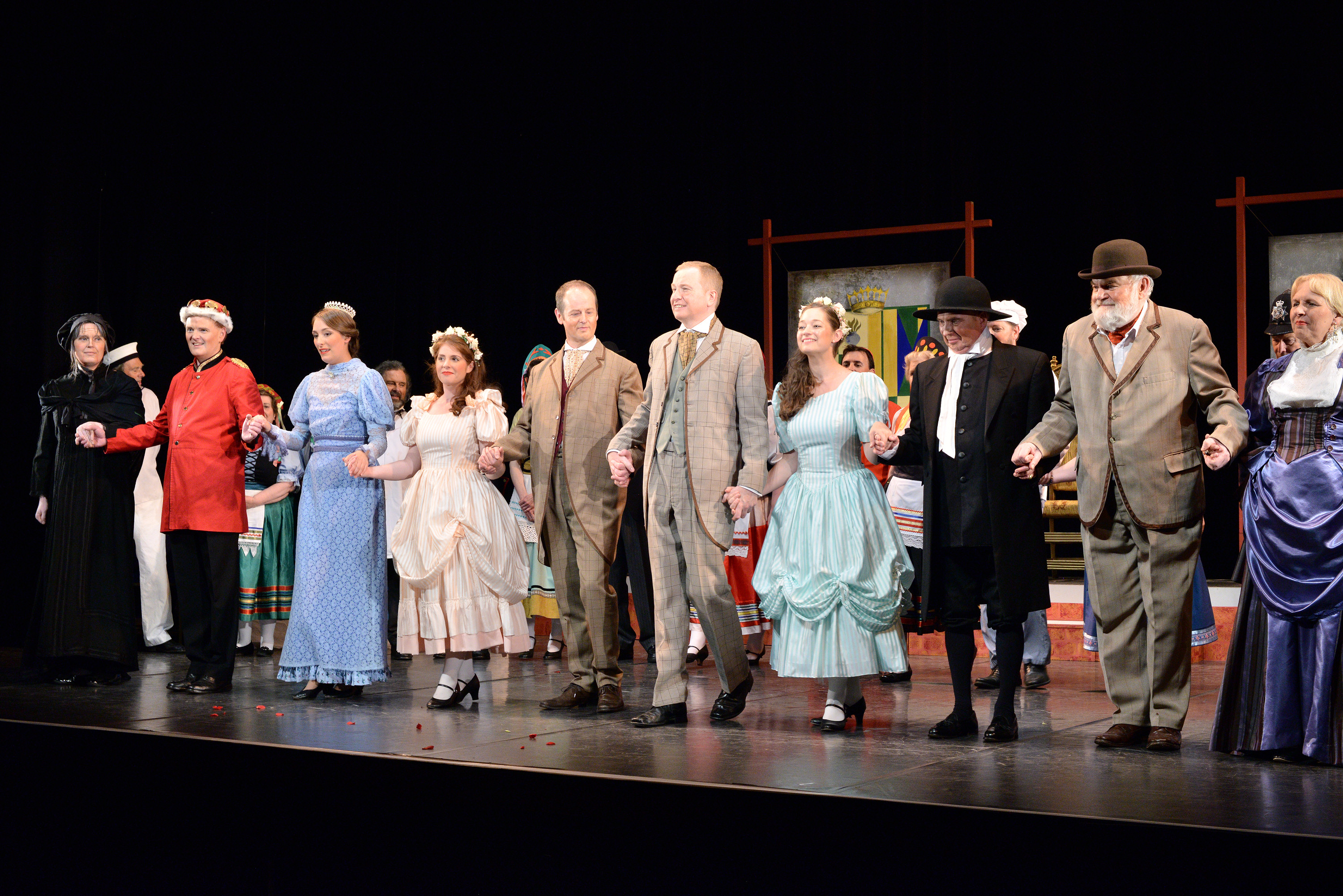 Curtain Bow: The Gondoliers