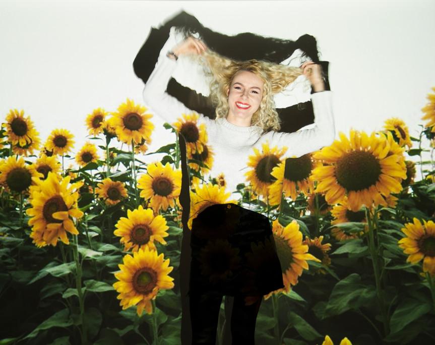 Model : Robyn Ayers
