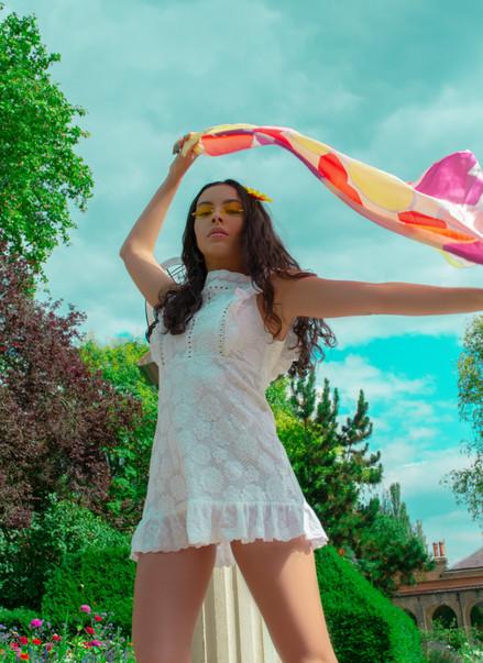 Model : Sarai Lewis