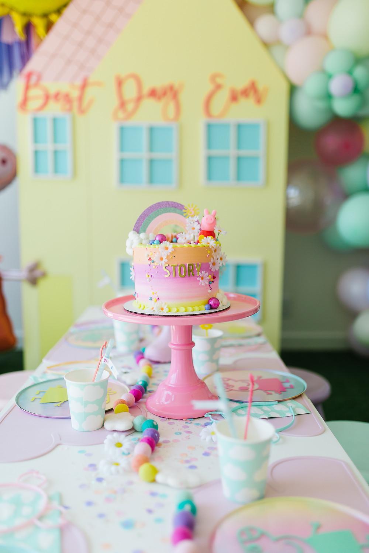 Peppa Pig party Peppa Pig Birthday Peppa Pig favour Peppa Pig decor Peppa Pig colourful Cake Peppa Pig DIY Peppa Pig pastel balloons Peppa Pig table decor
