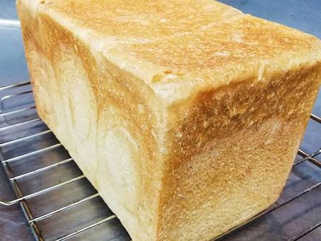 天然酵母の角食パン