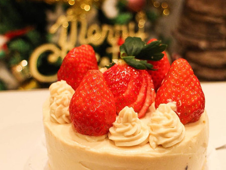 クリスマスケーキのご予約を承っております。