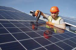 solar-heroes-installation-smiling-man-wo