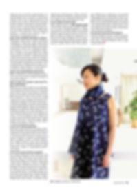 チェコの藍染めヴィオルカの活動を取り上げたメディア記事 藍染め服を着ています。