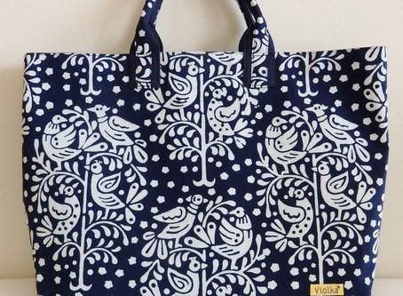 チェコの藍染め トート・バッグとヨーロッパの植物文様
