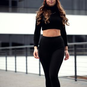 Model Olivia
