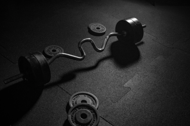 Workout dumbbells with varying weights