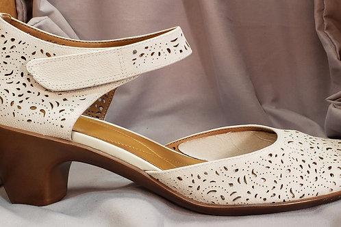 Brand new Easy Spirit shoes