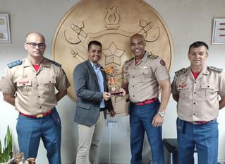 Coordenação da Corrida do Fogo de 2019 fez a entrega de troféu em agradecimento ao comando do CBMDF