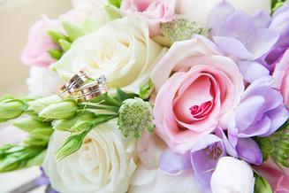 Ringen en bruidsbouquet