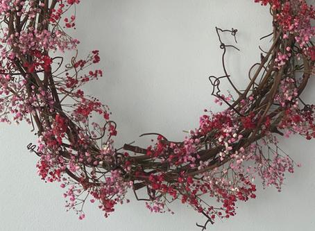 3 ways to hang your Christmas wreath