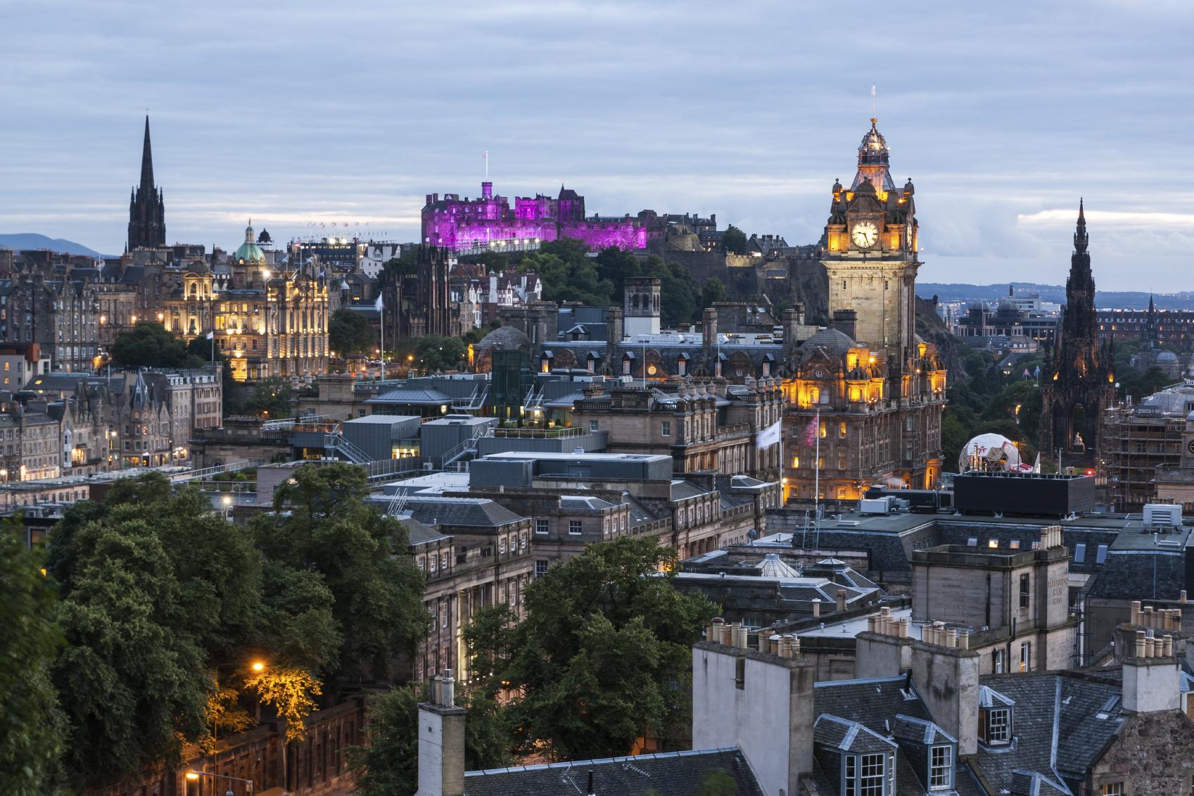 Edinburgh sky line.jpg