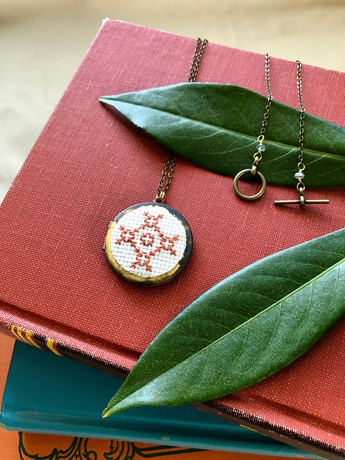 WS Cross your Heart Locket - Terra Cotta Floral