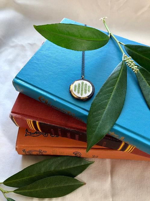 WS Cross your Heart Locket - Lime Green Arrows