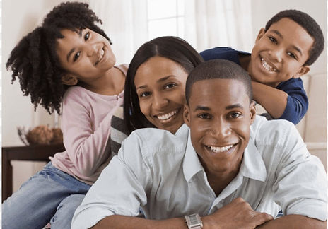 happy-black-family-at-home-11549863345ua