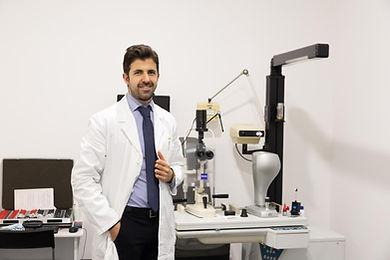 Medico, Chirurgo, Oculista, Dott. Ameer Abd El Ghani Roma
