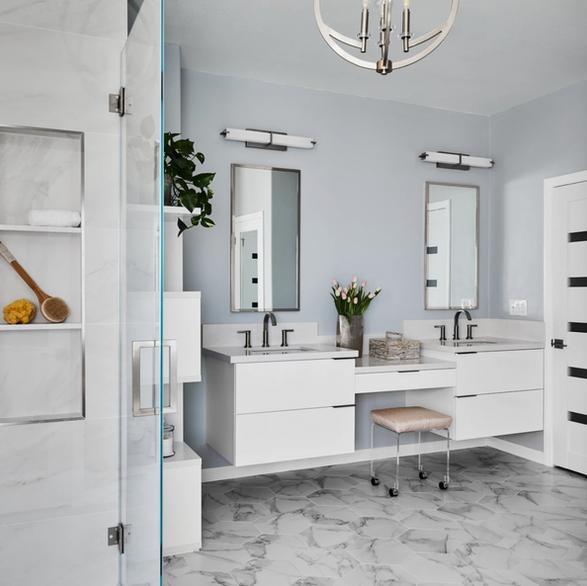 Modern bathroom by Kathleen Ann Design