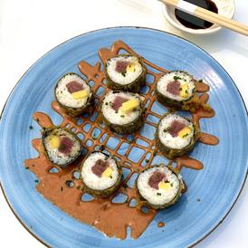 Delicious Tuna Maki Tempura at el Secreto Lounge.