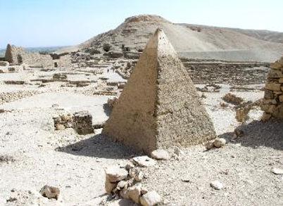 E57_Tomb_at_Deir_el-Medina-1.jpg