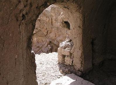 E58_Inside_a_tomb-a3.jpg
