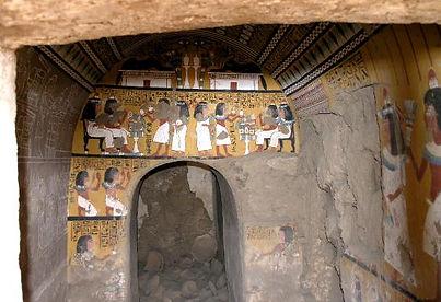 E55_Tomb_291_at_Deir_el-Medina_copy-2.jp