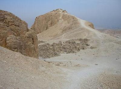 Luxor_3322-3.jpg