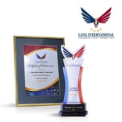 TRR Website Award Lang Intl 2018.png