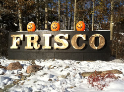 frisco-sign-pumpkins