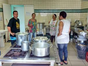 Delegações alojadas em Ilhabela para o Regionais recebem orientações sobre educação ambiental