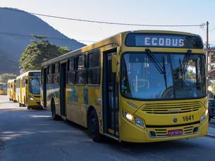 Motoristas de ônibus mantêm greve em São Sebastião