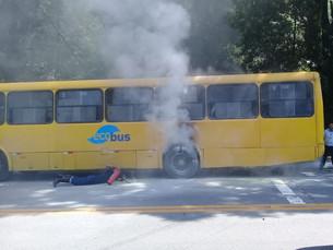 Ônibus do transporte público tem princípio de incêndio em São Sebastião