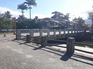 Governo do Estado reforma ponte da Rua Guarani, em Ubatuba
