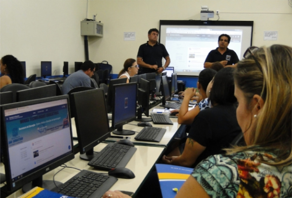 """A Secretaria da Educação (SEDUC) promoveu a primeira aula do curso de """"Novas Tecnologias Educativas"""". - Foto: Larissa Duarte/PMSS"""