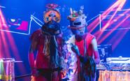 Komunga lança álbum ao vivo com reflexões sobre a Aldeia Global que vivemos hoje