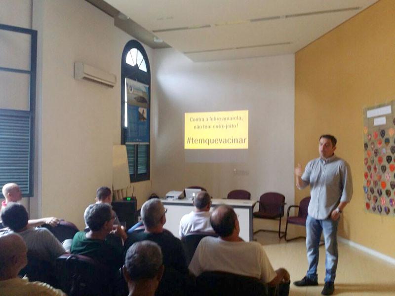 Encontro esclareceu empresário e moradores sobre a importância da prevenção contra a febre amarela. - Foto: Divulgação