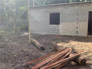 Polícia constata crimes ambientais no bairro do Ariró, em Angra dos Reis