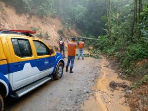 Defesa Civil de Ilhabela orienta população sobre início da estação de chuvas