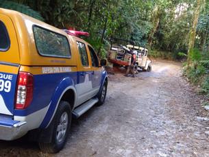 Acidente na Estrada de Castelhanos deixa três feridos em Ilhabela