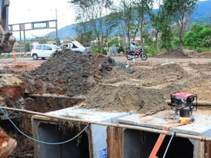Obras contra enchentes continuam na região do Perequê-Mirim