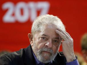 Defesa de Lula vai ao STF para tentar impedir prisão de ex-presidente