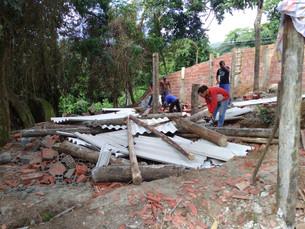 Prefeitura de Ilhabela impede crescimento desordenado e realiza demolição na Feiticeira