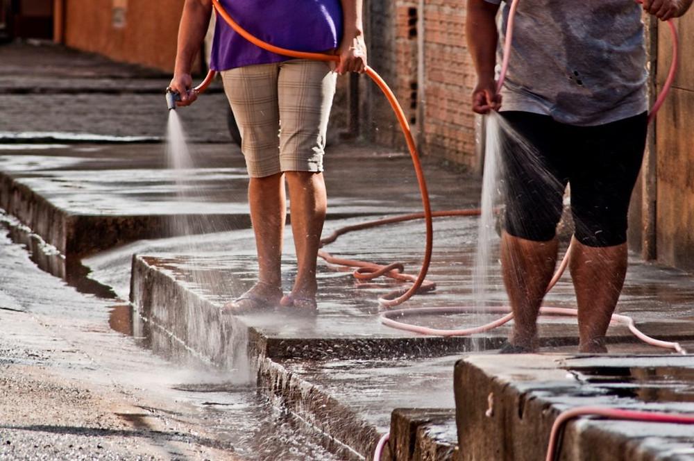 Desperdício de água - Foto: Prefeitura de São Francisco da Glória