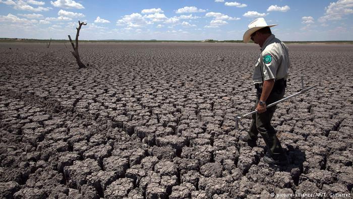 Paisagem seca no Texas: taxas de suicídio aumentaram em quase todos os estados dos EUA entre 1999 e 2016