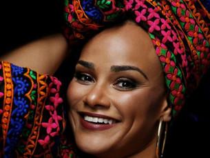 TMC recebe show '35 anos de Carreira' da cantora Luciana Mello em comemoração ao Dia das Mães